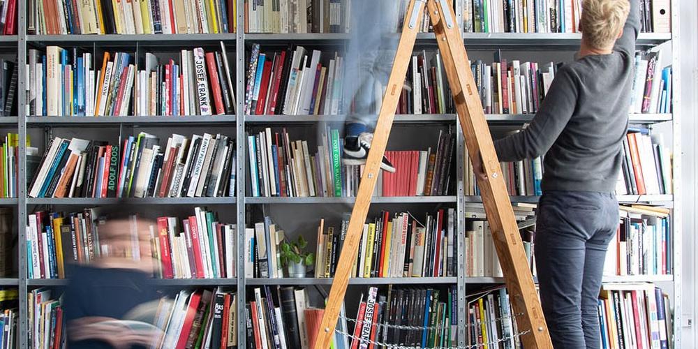Das Archiv Iris Meder im Vereinslokal der ÖGFA